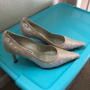 GORGEOUS Caparros sequin heels womens 7.5